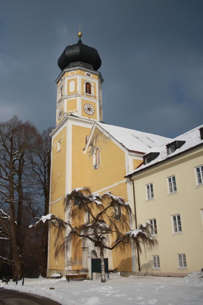 Kostel sv. Martina v Bernriedu u Starnbergského jezera nedaleko Mnichova.