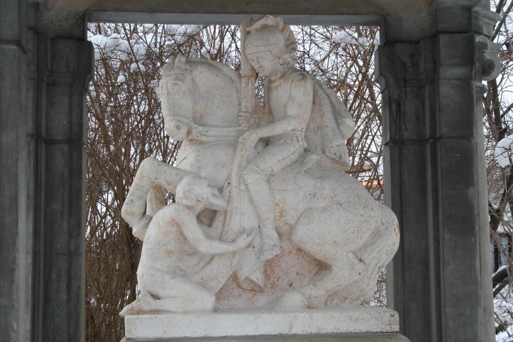 V Bernriedu mají klášter a kostel zasvěcený sv. Martinovi a také pomník padlým vojákům v 1. sv. válce tohoto světce připomíná.