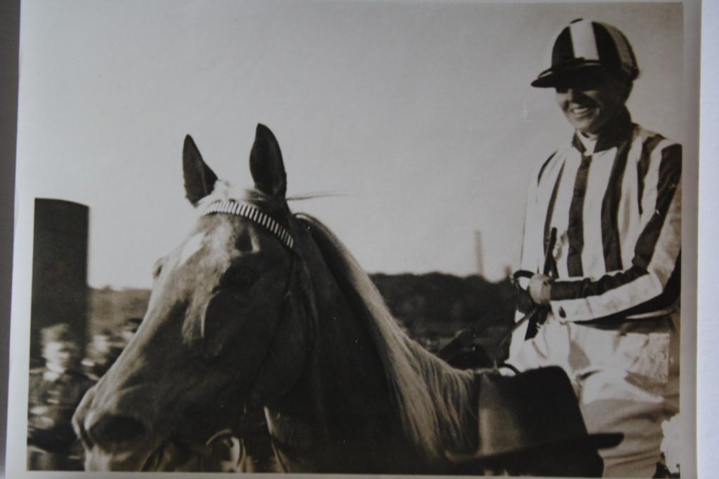 Lata Brandisová s isabelou Normou v roce 1933, kdy získaly výborné 3. místo